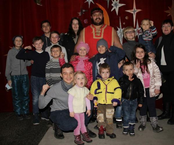 Поездка в цирк для онкобольных детей1587840309