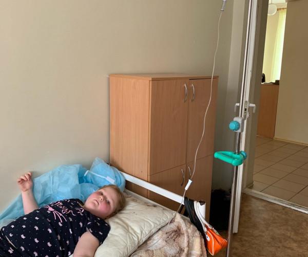 Жизнь, ценою в 100 000 рублей в месяц. Yves Vanroy помог Маше Алексаниной.1617634938