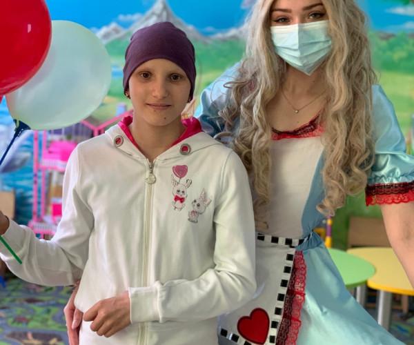Лиза Насирова окончила основной этап лечения1623767681