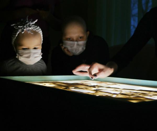 День Святого Николая - праздник для малышей отделения онкогематологии1589111766