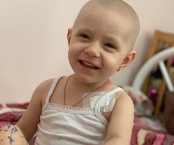 За улыбкой Софийки Куликовой скрывается боль и страдания в борьбе с раком1627557416