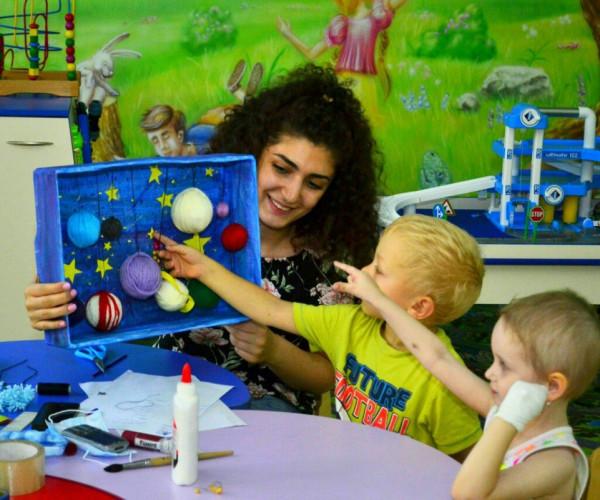Волонтеры в детском онкоотделении1591268365